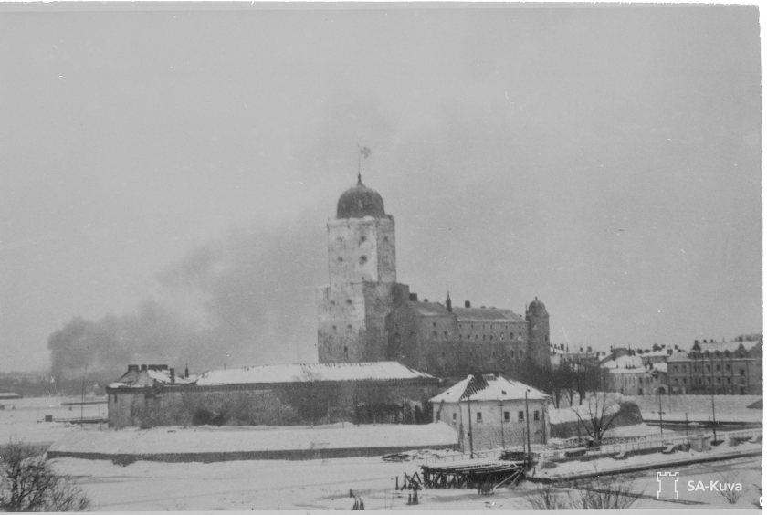 Viipuri liekeissä 7.3.1940. SA-Kuva.